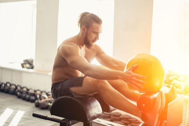 Durch Wassereinlagerungen wirken deine Muskeln größer