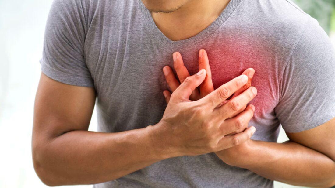 Ein Herzinfarkt kann Männern auch in jungen Jahren passieren