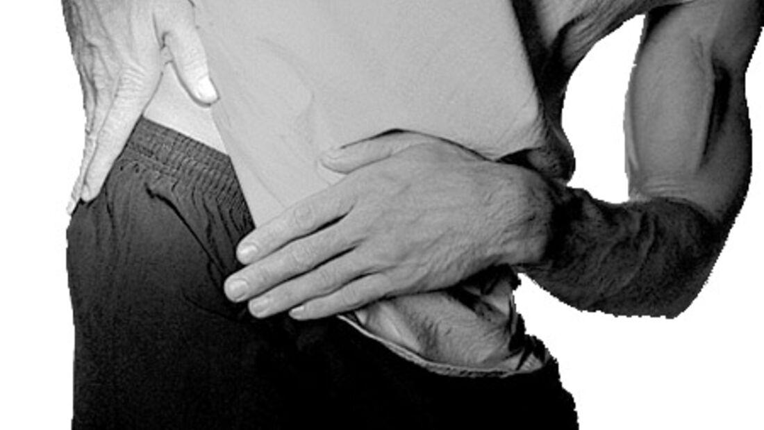 Ein Leistenbruch wird chirurgisch behandelt