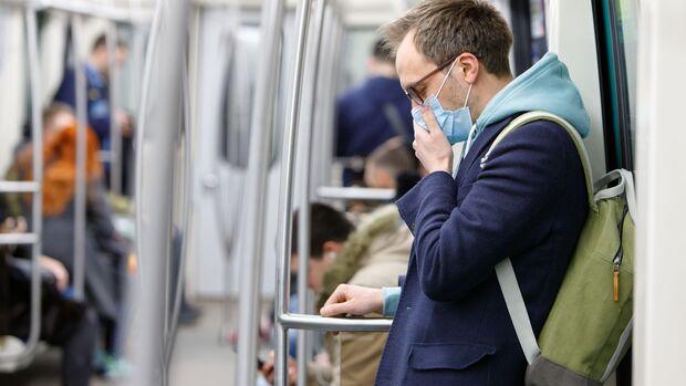 Ein Mundschutz hilft nur bedingt gegen eine Ansteckung mit dem Coronavirus