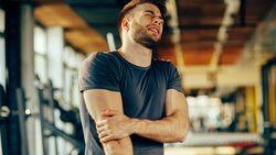 Ein Muskelkater entsteht nach ungewohnten oder besonders starken Belastungen der Muskeln