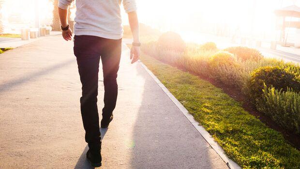 Ein Spaziergang hilft, sich von einem Nikotin-Jieper abzulenken