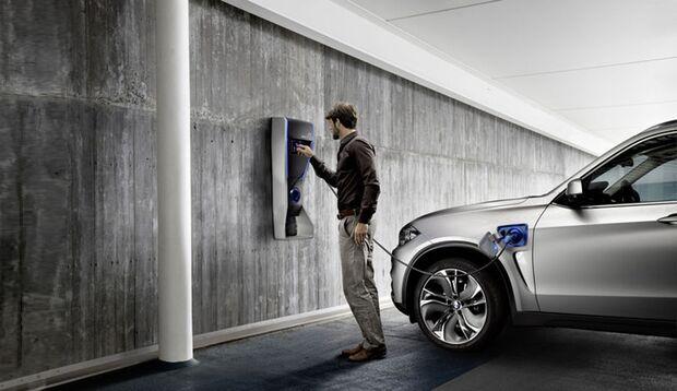 Ein Zusatzgeschäft für die Elektroauto-Hersteller sind die sogenannten Wallboxen am heimischen Parkplatz