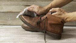 Ein gepflegter Mann trägt gepflegte Schuhe