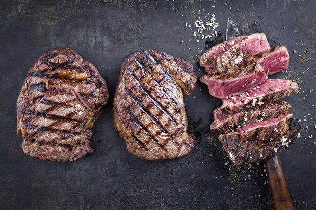 Ein gutes Steak gehört auf jeden Grill