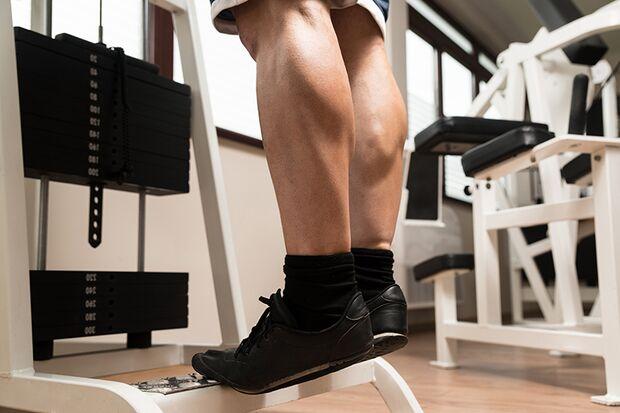 Eine Frage der Genetik – in den Waden sind meistens mehr Muskelfasern vom Typ 1 vorhanden, die für die Ausdauer zuständig sind.