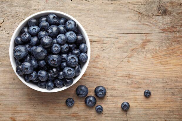 Eine Portion Blaubeeren (125g) enthält 6,1 Gramm Ballaststoffe