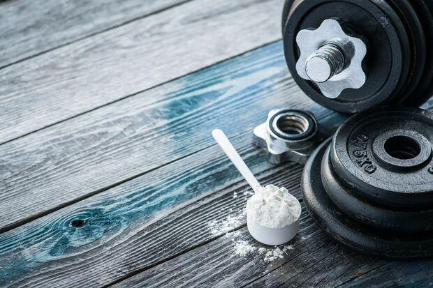 Eiweißpulver unterstützen den Muskelaufbau und das Abnehmen