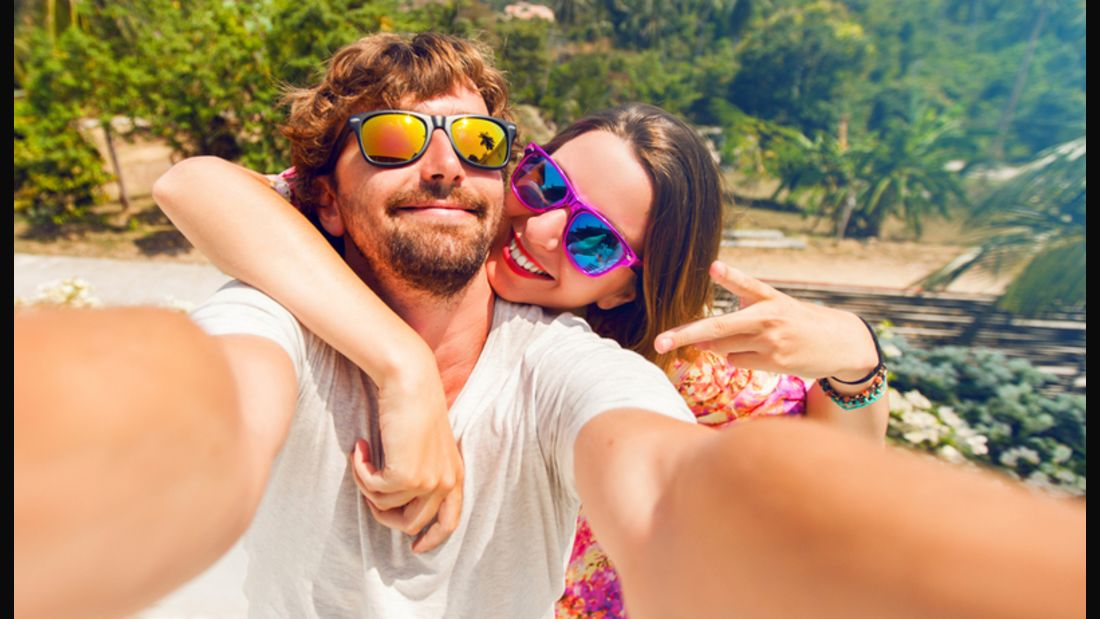 Er will Action, sie nur ständig Selfies machen – das geht nicht gut
