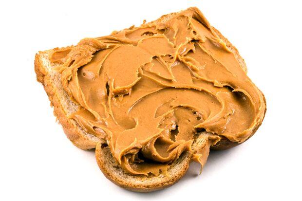 Erdnussbutter gehört zu den besten Lebensmitteln für Sportler