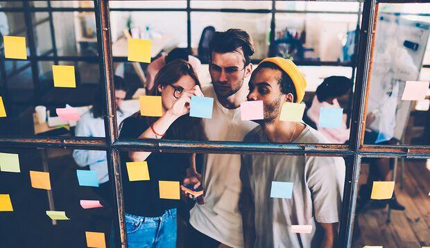 Erfolgreiche Menschen wissen, dass sie neugierig bleiben und sich immer weiterentwickeln sollten