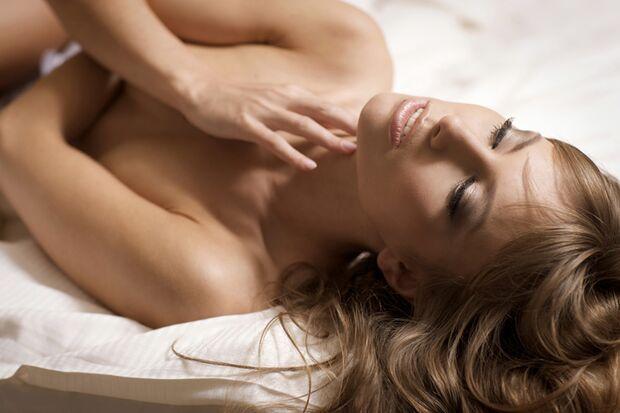 Erotikgalerie: Heiße neue Sex-Ideen fürs Bett