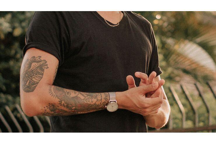 Mit tattoo männer 50 einzigartige