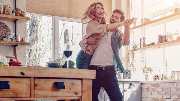 Es gibt ein Rezept für eine glückliche Beziehung: Micro-Dating