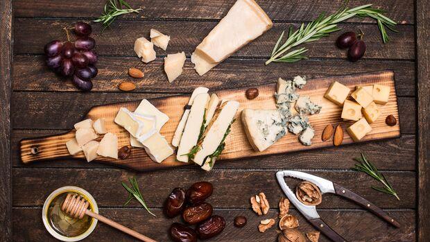 Es gibt viele verschiedene Käsesorten