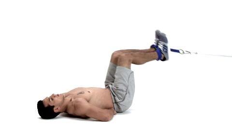 Es mangelt Ihnen an Explosivität und Durchschlagskraft? Sie wollen Schwachstellen endlich ausmerzen? Absolvieren Sie Boxer Jack Culcays Ober- und Unterkörpertraining! Kabelzug-Knieheben als Boxtraining zeigt Ihnen der Profi im Video.