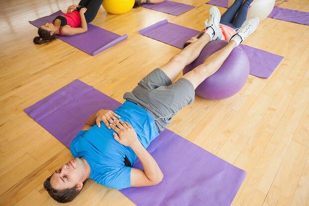 Faszientraining kann auch Rückenprobleme lindern