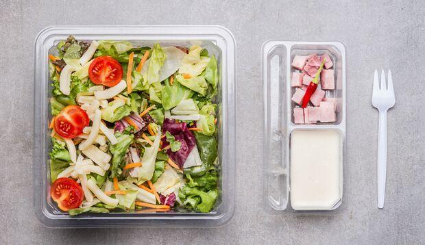 Fertig-Salatdressings stecken voller Zucker