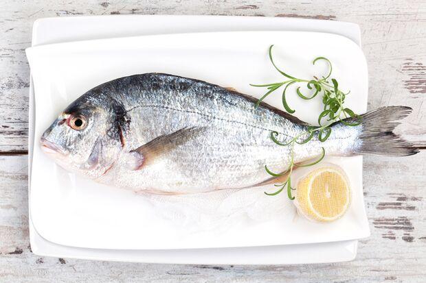 Fisch enthält gesunde Omega-3-Fettsäuren