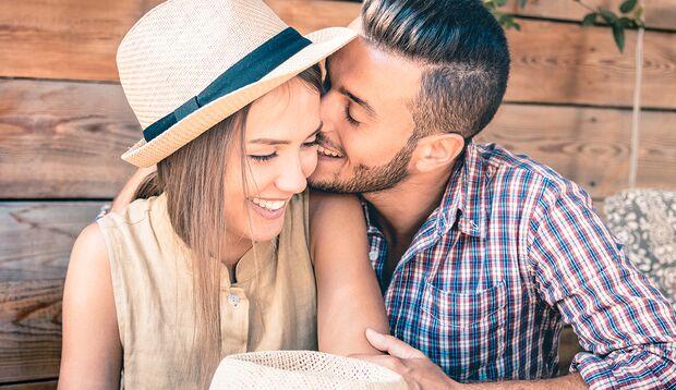 Flirtsprüche sind Eisbrecher, um mit einer Frau in Kontakt zu kommen