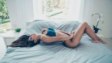 Frauen, die abspritzen: So bringen Sie sie zur Ejakulation