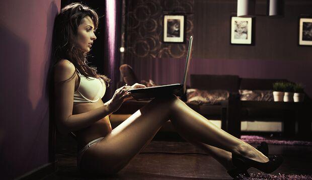 Frauen sind nicht weniger schaulustig als Männer, allerdings gehen sie weniger offen damit um