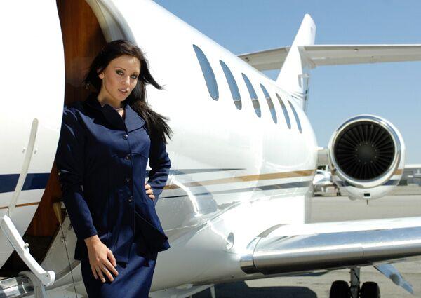 Für MensHealth.de-Leser haben Stewardessen den größten Sex-Appeal