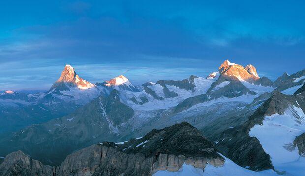 Für diese Aussicht auf Matterhorn und Obergabelhorn lohnt sich das Training.