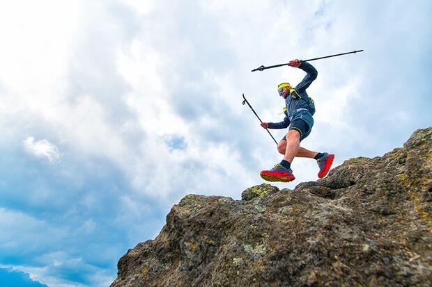 Gerade bergab sind starke Po-Muskeln gefragt, um Ihr Gewicht immer wieder abfangen zu können