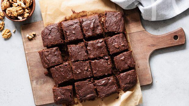 Gesunder Nachtisch: Protein-Brownies mit Walnüssen