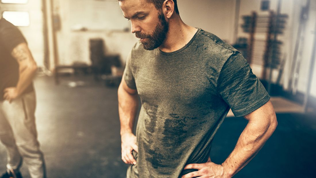 Gleichzeitig Muskeln gewinnen und Fett verlieren klingt nach dem Hauptgewinn für jeden Kraftsportler