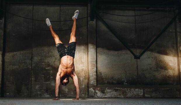 Handstand meistern in 6 Schritten