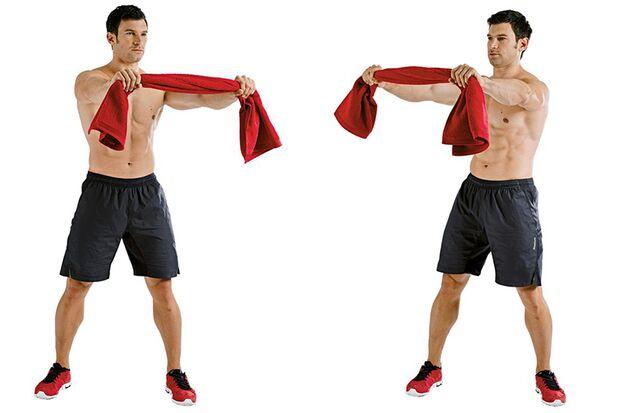 Handtuchziehen mit schnellen kurzen Rumpfrotationen