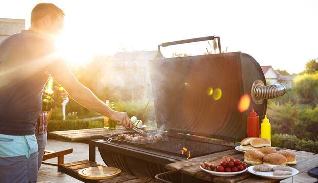 Holzkohle-, Gasgrill und Smoker: Wann ist die ideale Grilltemperatur erreicht?