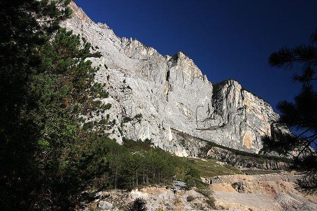 """Horrorwand: Der """"Ernesto Che Guevara""""-Steig zum Monte Casale im Sarcatal"""