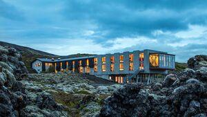 Hotel zwischen Felsen