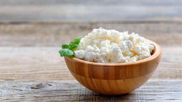 Hüttenkäse glänzt durch hohen Proteingehalt sowie einen niedrigen Fettanteil