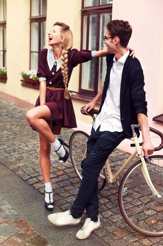 Humor beim Flirten zahlt sich aus