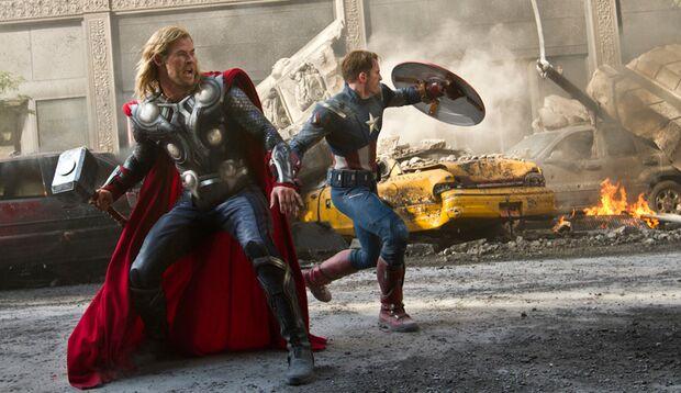 """Im Action-Spektakel """"The Avengers"""" treten gleich 6 Superhelden an, um die Welt zu retten."""