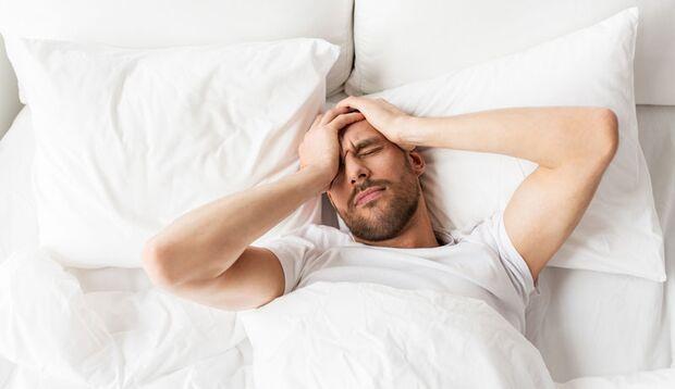 In abgedunkelten Schlafzimmern fällt das Einschlafen leichter