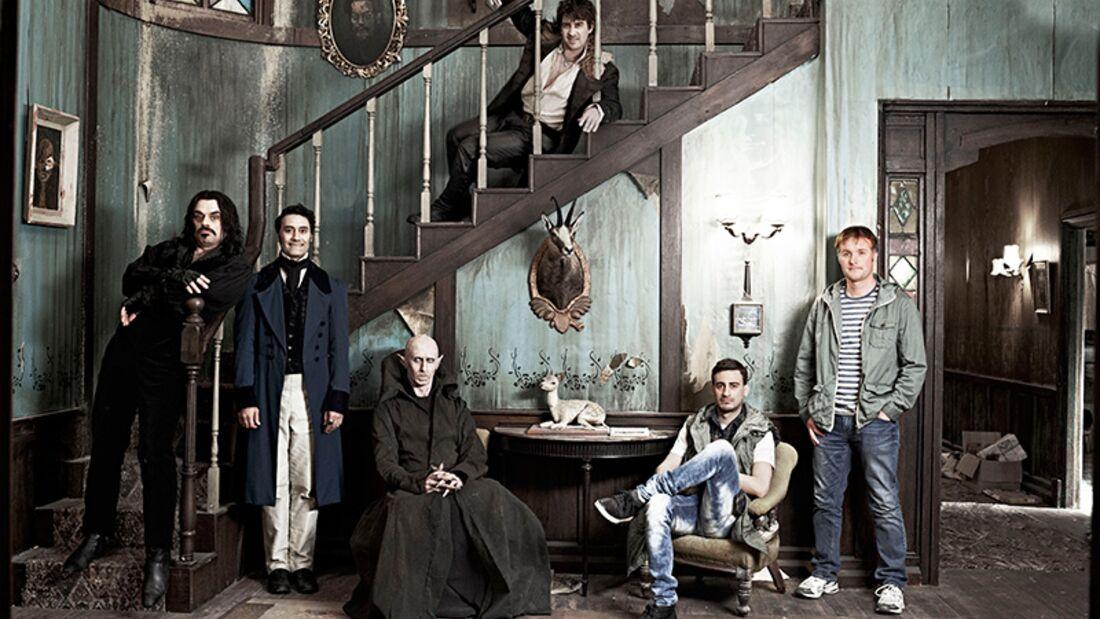 """In der Fake-Doku """"5 Zimmer Küche Sarg"""" besucht ein Kamerateam eine Vampir-WG"""