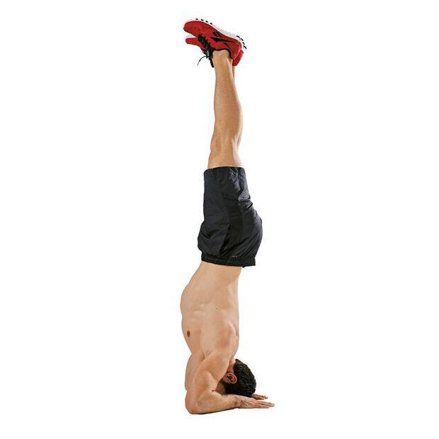 Isometrisch trainieren: Kopfstand