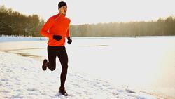 Je kälter das Wetter, desto wichtiger das Jogging-Outfit