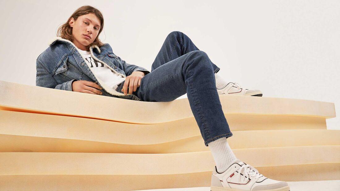 Jeans-Trend 2019: eisblaue Waschung