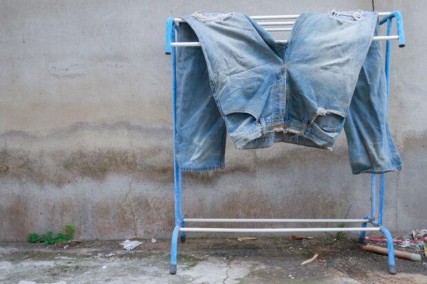 Jeans trocknen am besten an der Luft