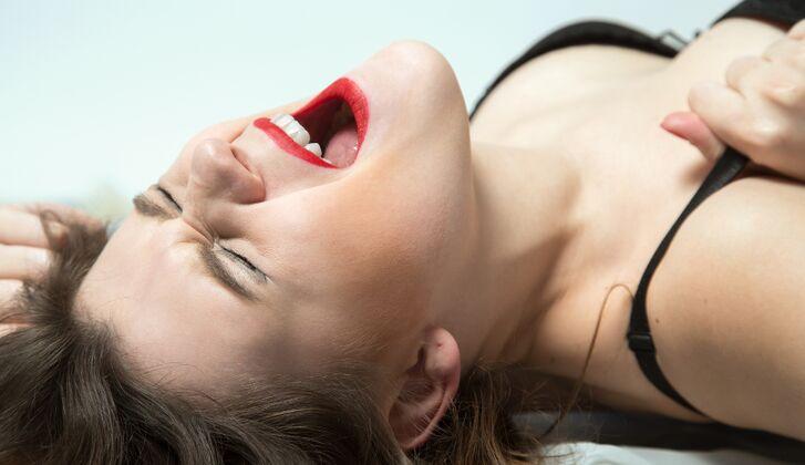 Mädchen mit mehreren Orgasmen