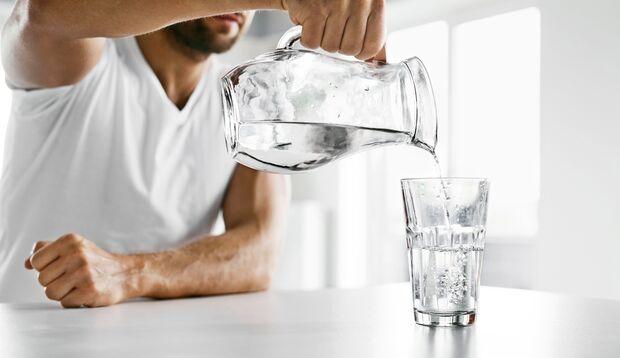 Kann man auch zu viel Wasser trinken?