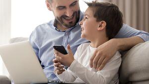 Kinder brauchen einen Vater, der mit ihnen gemeinsam das Internet erkundet und erklärt