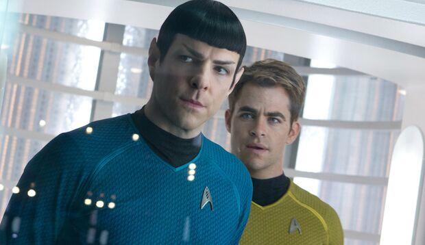 """Kirk und Spock prügeln und scherzen sich im neusten """"Star Trek""""-Film durch ein rasantes und sehr unterhaltsames Action-Abenteuer"""