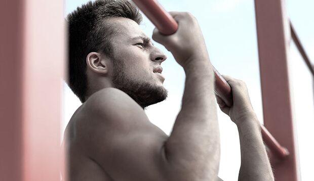Klimmzüge gehören zu den effektivsten Oberkörperübungen schlechthin